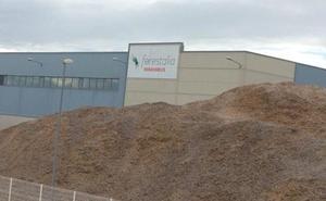 Courel cree que las auxiliares mineras deben «tener preferencia» en la construcción de la planta de Forestalia