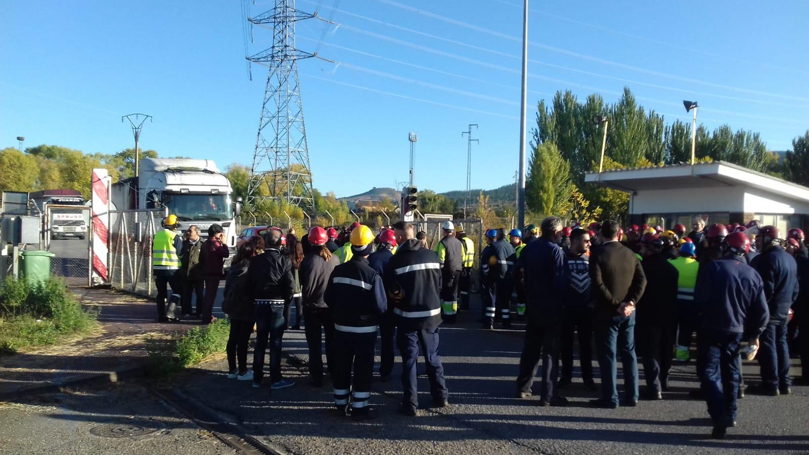 Movilización de los trabajadores de las empresas auxiliares de Endesa en Compostilla