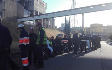 Las auxiliares de Endesa vuelven 'a la carga' en Compostilla para que se aclare su futuro
