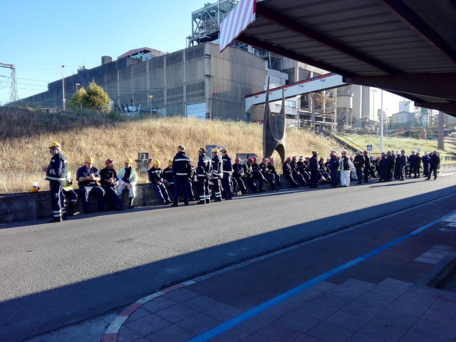 Protesta de las auxiliares de Endesa en Compostilla