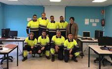 Vega de Espinareda forma a ocho desempleados en mantenimiento de jardines