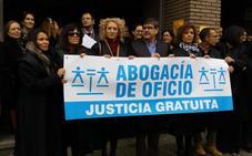 Los abogados del Bierzo reivindican una justicia gratuita «de dignidad» para los letrados