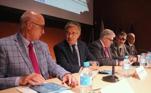 Sacyl implantará el servicio de Radioterapia en el Hospital del Bierzo una vez que «consolide» la unidad de León con un nuevo acelerador lineal