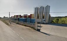 El cierre «sin previo aviso» de la planta de embotellado de agua de Folgoso deja en la calle a 16 trabajadores