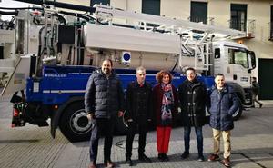 Ponferrada cuenta con un nuevo camión que ahorra entre 12.000 y 15.000 litros diarios de agua
