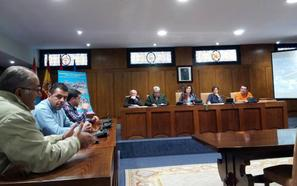 La Fele y las asociaciones de vecinos de Ponferrada respaldan el proyecto urbanístico para el solar del antiguo Carrefour