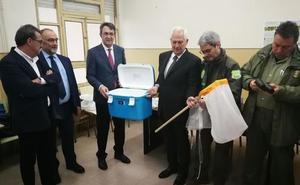 La Diputación de León entrega a la Junta material para la lucha contra la avispilla del castaño en el Bierzo por valor de 25.000 euros