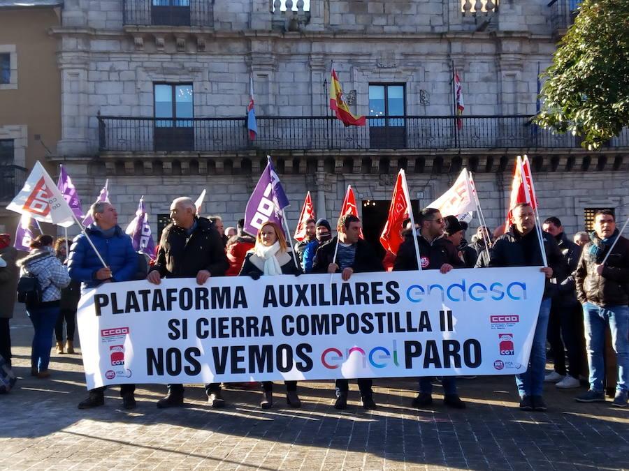 Protesta en Ponferrada de los trabajadores de las auxiliares de Endesa en la central de Compostilla II