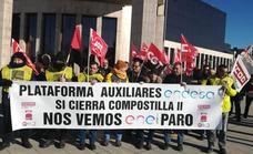 Las auxiliares de Endesa llevan su protesta a León en demanda de una plan social en la cuarta jornada de huelga