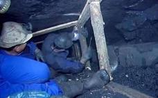 CCOO y UGT reclamarán ante la Justicia el incremento de los salarios de 5.000 prejubilados mineros