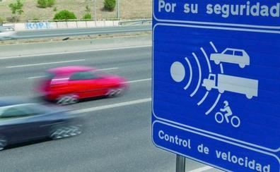 Los 54 puntos de las carreteras leonesas donde la DGT dispondrá de un radar
