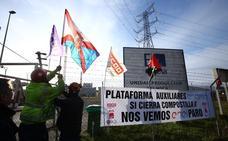 Las auxiliares de Endesa se reunirán en Castropodame con la delegada del Gobierno para exigir una solución a sus empleos