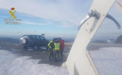 La Guardia Civil rescata a un montañero enriscado en el Pico Miravalles de Candín