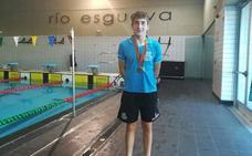 Alejandro Álvarez consigue cuatro medallas en el Campeonato de Castilla y León infantil de natación
