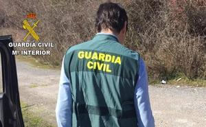 La Guardia Civil detiene a dos hombres por un robar el bolso a una mujer en Bembibre mediante el procedimiento del 'tirón'