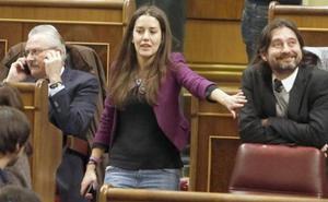 El diputado de Podemos Rafa Mayoral visita a los trabajadores de las auxiliares de Endesa