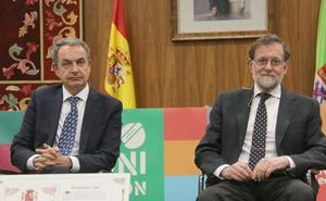 Zapatero y Rajoy unidos en León: «Los 40 años de la democracia han sido 40 años de éxito para España»