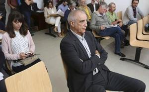 Victorino Alonso no entrará en prisión ni pagará 25,5 millones por destruir un yacimiento de la Cueva de Chaves