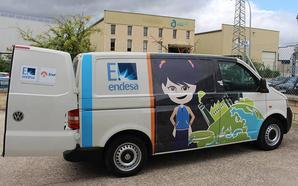 Más de 400 estudiantes de Ponferrada participan en los talleres itinerantes PlayEnergy de la Fundación Endesa
