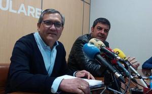 El PP de Cacabelos exige al alcalde que convoque un pleno para dar cuenta de dos sentencias judiciales a favor del Ayuntamiento
