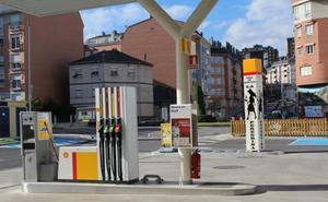 Dos encapuchados asaltan la gasolinera de La Peregrina y se llevan el dinero de las tragaperras