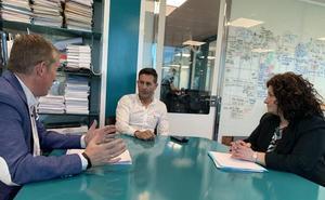 El candidato del PP en Cubillos del Sil se reúne con el presidente de la fundación Icamcyl
