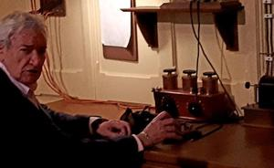 Luis del Olmo conecta con la Cabina Marconi