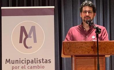 La asamblea de Municipalistas por el Cambio respalda la continuidad del partido tras la debacle electoral