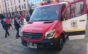 Tres intoxicados, entre ellos dos menores, como consecuencia de un incendio en la calle Teruel de Ponferrada