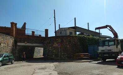 Ponferrada inicia las obras de acondicionamiento del paso bajo las vías que une los barrios de Navaliegos y La Estación