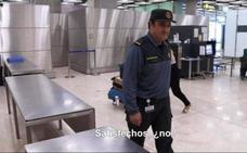 Registran la casa en Arganza de un Guardia Civil detenido por dejar pasar maletas con cocaína en Barajas