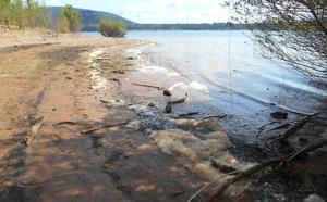 Cs muestra su preocupación por el aumento de espuma en el embalse de Bárcena