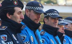 La Policía Local de Ponferrada rescata a una persona que llevaba cinco días caída en el suelo de su casa