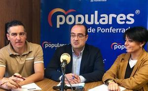 El PP, a favor de que los taxis vuelvan a tener la parada en la calle Camino de Santiago