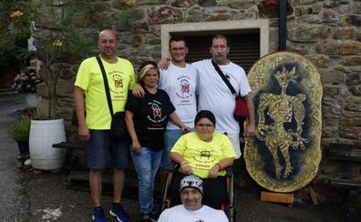San Pedro Mallo sortea un cuadro de Félix Rodríguez para financiar la investigación de la distrofia de Duchenne