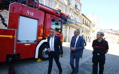 Ponferrada invierte 825.000 euros en un nuevo camión escala para el servicio de Bomberos
