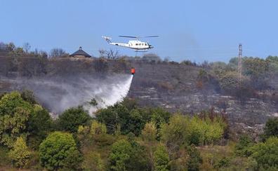 Controlado el incendio intencionado declarado ayer en los montes del municipio berciano de Toreno
