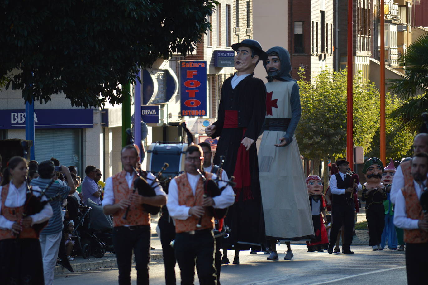 Desfile de carrozas La Encina 2019