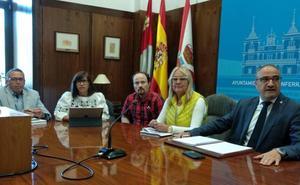 Ponferrada habilitará aparcamientos alternativos en Gómez Núñez y valora cambiar el sentido del vial para siga dando entrada al centro