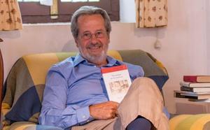 Eduardo Keudell inicia en Bembibre la ronda de presentaciones de su quinta novela 'Nostalgia de la materia'