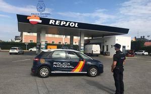Detenido el presunto autor de dos robos con fuerza en sendas gasolineras de Ponferrada en la misma noche