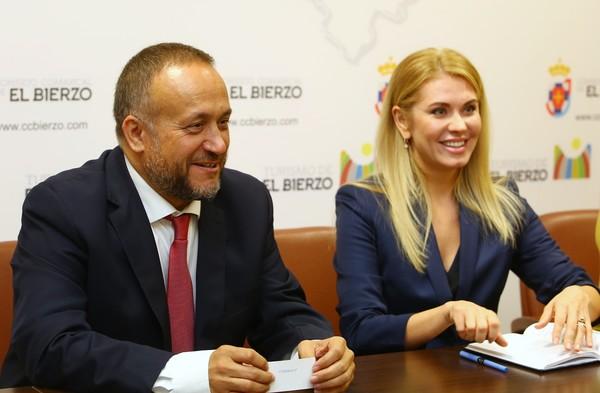 Visita de la embajadora de Moldavia al Consejo Comarcal del Bierzo