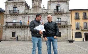 Los vecinos de la Rosaleda exigen al tripartito una respuesta por escrito sobre la decisión que adoptará respecto a la implantación de la ORA