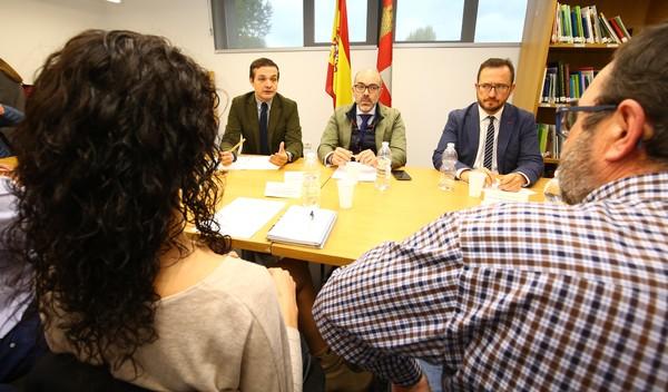 El consejero de Cultura y Turismo se reúne con los alcaldes de Las Médulas
