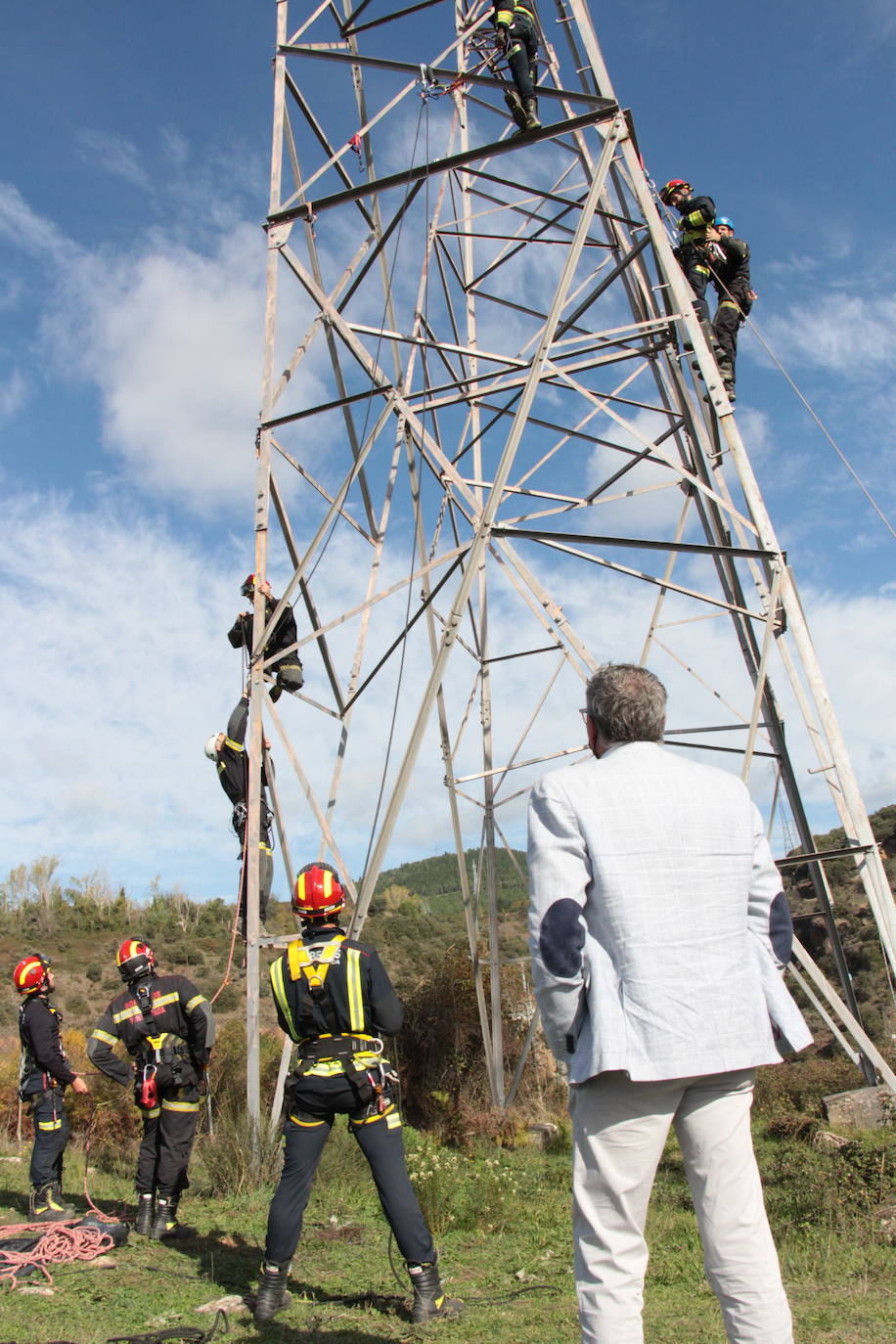Curso de rescate en altura de los bomberos de Ponferrada