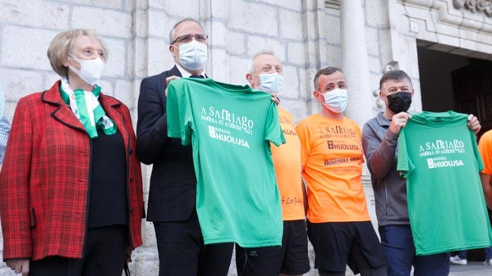 Ponferrada da la salida simbólica a la XI edición de la carrera solidaria 'A Santiago contra el cáncer'