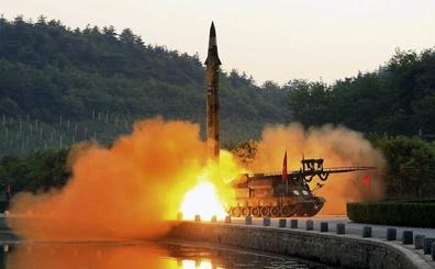 Corea del Norte insiste en sus pruebas de armas disparando misiles de crucero