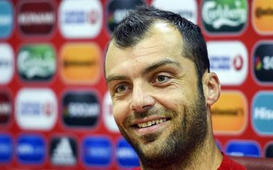 Pandev: «España te da espacio detrás para hacer gol»