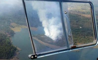 Un rayo provoca un incendio forestal en la localidad de Palaciosmil