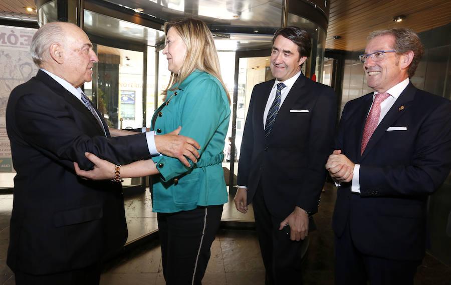 León homenajea a Manuel Lamelas